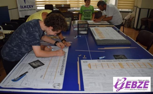 İLKÇEV'de Model Uçak Eğitimleri