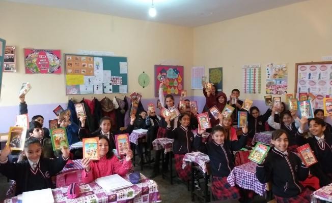 KAISİAD, Doğu'daki öğrencileri sevindirdi