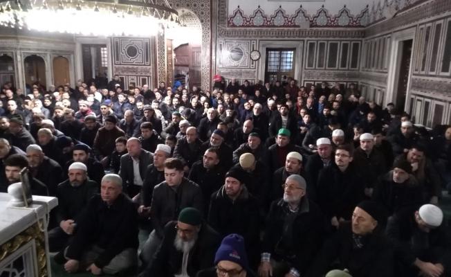 Gebze'de eller semaya Doğu Türkistan için kalktı