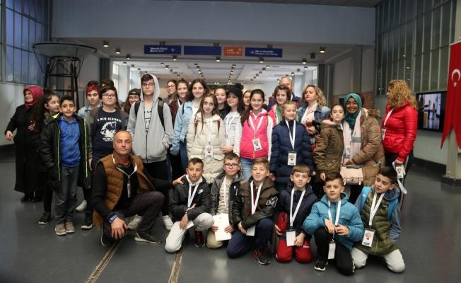 Dünya Çocukları Bilim Merkezi'ni gezdi