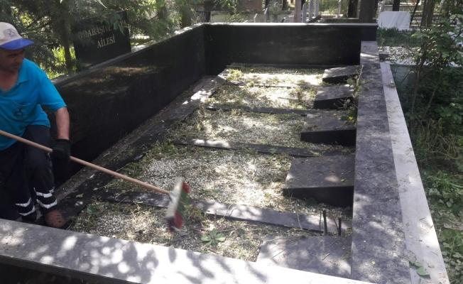 Darıca'da Mezarlıklar Bakımda