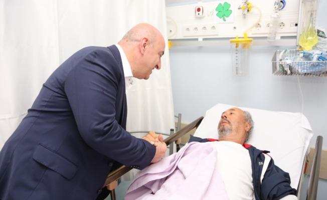 Başkan Bıyık'tan hasta ziyaretleri