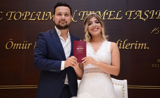 Gazeteci Emre Polat evleniyor