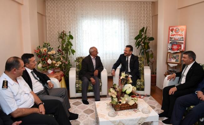 Vali Aksoy, şehit ailesini ziyaret etti