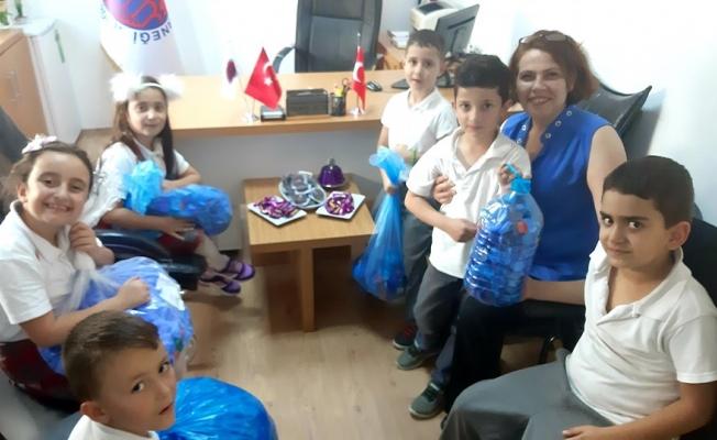 Yenikent'te 'minik hayırseverler' işbaşında!