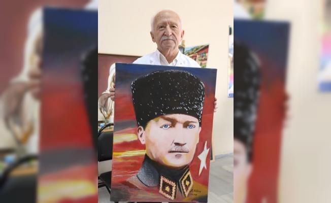 83 yaşındaki Rafet dede KO-MEK'te ressam oldu