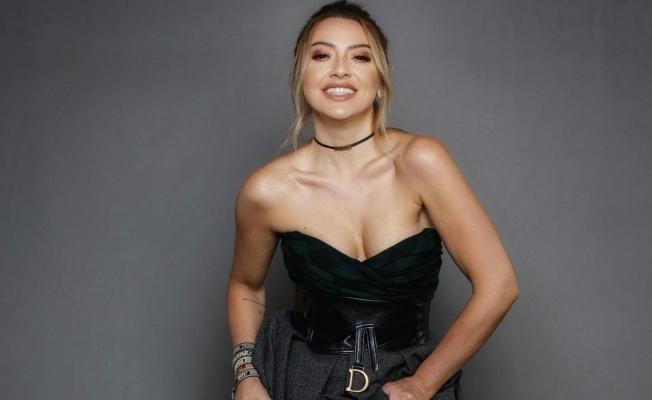 Ünlü Şarkıcı Hadise Yeni Şarkısıyla Liste Başı