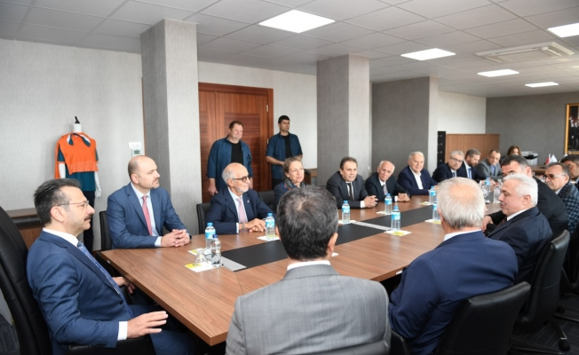 Vali  Aksoy, GEBKİM Mesleki ve Teknik Anadolu Lisesini ziyaret etti