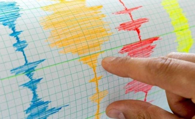 Yalova depremi korkuttu... Peşinden 20'ye yakın artçı sarsıntı daha yaşandı