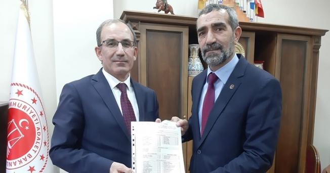 BBP İl Başkanı Remzi Kaya mazbatasını aldı