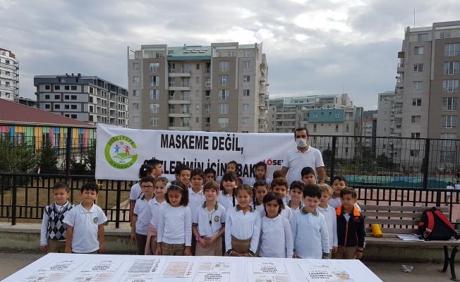 Güzeltepe İlkokulu'nda 'MASKEME DEĞİL GÖZLERIMIN İÇİNEBAK'  standı