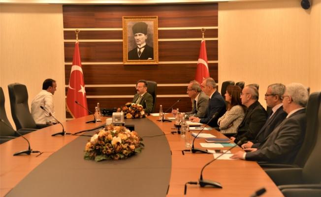 Vali Aksoy,  bu güne kadar 704 vatandaşı dinledi