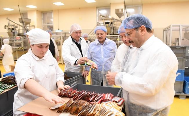 Vali Aksoy, HLEKS Gıda'yı ziyaret etti