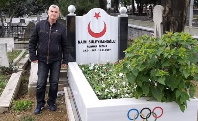Balkanlı sanatçının Şampiyona vefası: Adına şarkı yaptı, sonra kabrine koştu!