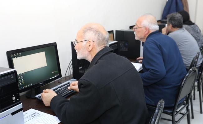 Dedeler, bilgisayar eğitiminde