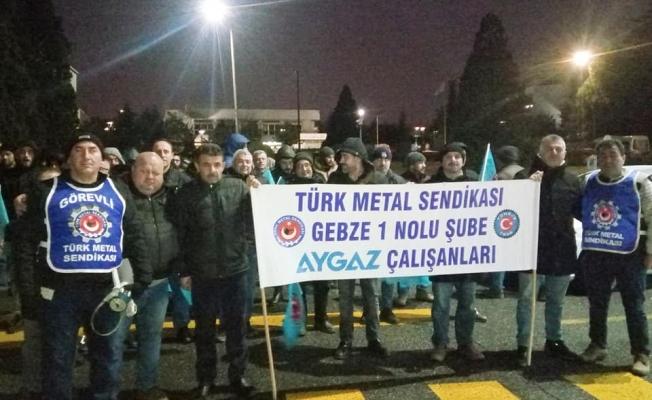 Türk Metal işçisinden quot;ıslıklıquot; protesto!