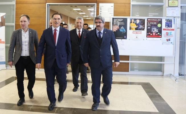 Kamu Başdenetçisi Ombudsman Şeref Malkoç, KOTO'yu ziyaret etti