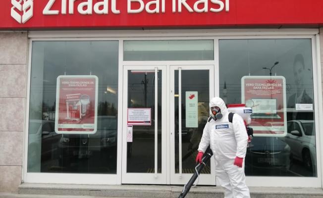 Başkan Büyükakın'ın talimatıyla; Banka şubeleri ve ATM'ler dezenfekte ediliyor