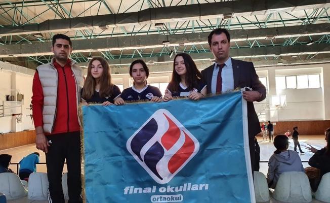 Darıca Final Okulları,  Kocaeli Curling il şampiyonasında yarı finalde