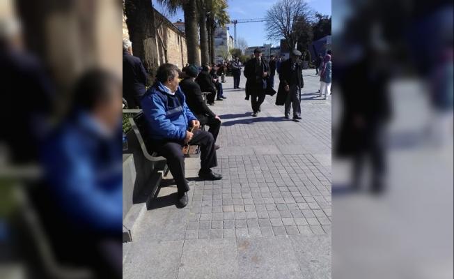 Gebze Kaymakamlığı: '65 yaş ve Üzeri Vatandaşımız Evinde Oturmalı!'