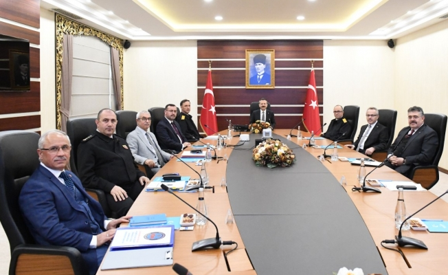 Kocaeli İl Güvenlik Kurulu Vali Aksoy'un başkanlığında  toplandı