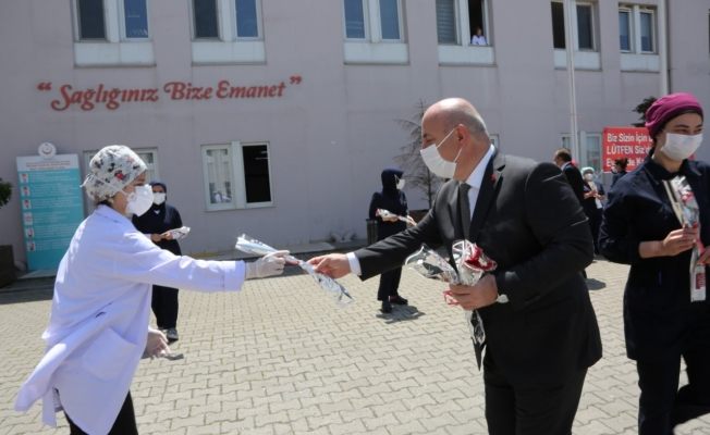 Başkan Bıyık, Darıca'da hemşireleri unutmadı