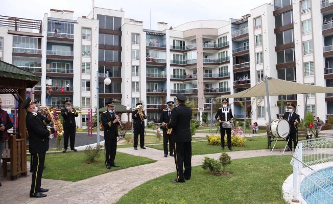 Büyükşehir bandosu halka konser verdi