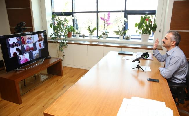 "Çiftçi'den 'Özel"" video konferans"