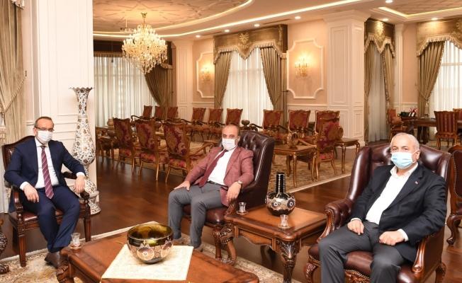Karaman ve Büyükgöz, Vali Yavuz'u ziyaret etti