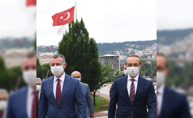 Vali Yavuz, Büyükşehir'i ziyaret etti