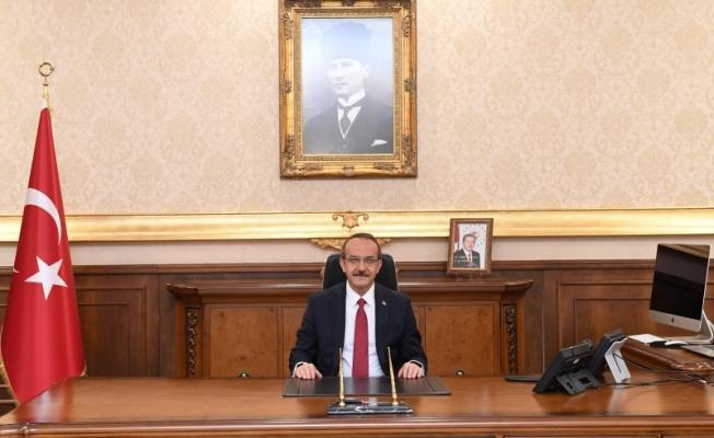 Vali Seddar Yavuz Kocaelispor'un Şampiyonluğunu ve 2. Lige Yükselmesini Kutladı