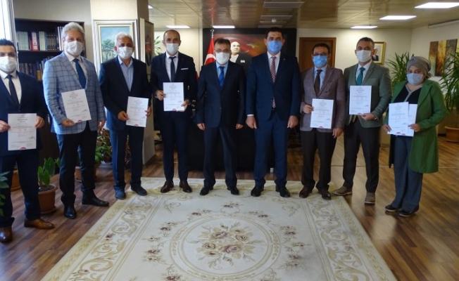 Çayırova'da 8 okula 'Okulum Temiz Belgesi'