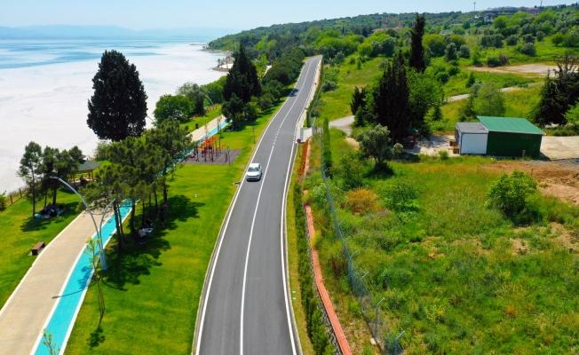 Darıca Sahil Parkı'nda yollar resim tablosu gibi oldu