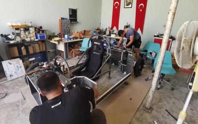 Kocaeli'de teknoloji yarışındaki gençlere tam destek