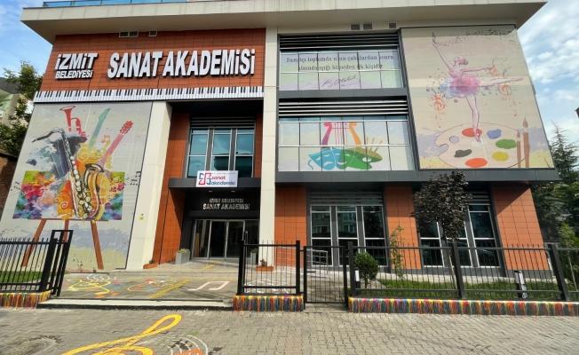 İzmit Sanat Akademisi açılışına Selin Sayek Böke geliyor
