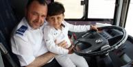 Otobüste unutulan Abdullah ailesine kavuştu!