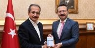Vali Aksoy kurban bağışında bulundu