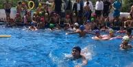 Dilovası'nda Çocukların Havuz Keyfi