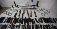 Terminalde 568 kesici-delici alet ile 35 silah yakalandı!