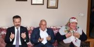 Vali Aksoy, Çayırovalı Şehidimizin ailesini ziyaret etti