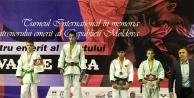 Genç judocular 6 madalya...