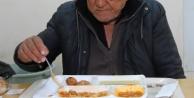 72 yaşındaki Atalay Amca sonunda ikna oldu