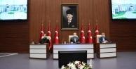 """Vali Aksoy: Ne kadar çok insanımızı evde tutabilirsek mücadelede o derece başarılı oluruz!"""""""