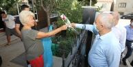 Gebze'de çevreci vatandaşa karanfilli teşekkür