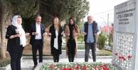 Hürriyet ve 'Leyla Hanım' film ekibi Leyla Atakan'ın kabrini ziyaret etti