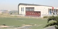 Dilovası Şehit Nihat Karataş stadı yenileniyor