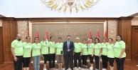 Muğlaspor Kadınlar Master Voleybol Takımı, Sayın Vali Aksoy'uZiyaret Etti